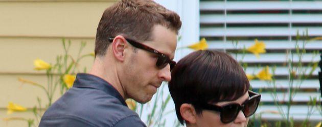 Josh Dallas und Ginnifer Goodwin beim Dreh ihrer Serie