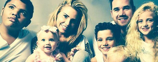 Katie Price und Kieran Hayler mit ihren fünf Kindern