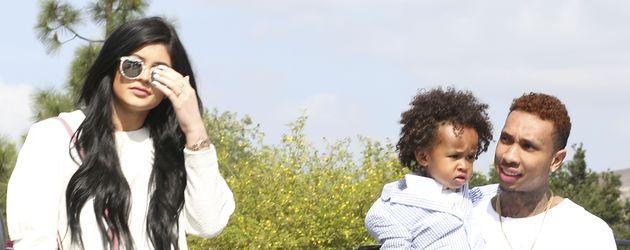 Kylie Jenner mit ihrem Freund Tyga und dessen Sohn King Cairo
