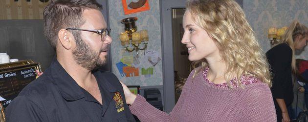 Luise von Finckh und Thomas Drechsel bei GZSZ-Dreharbeiten
