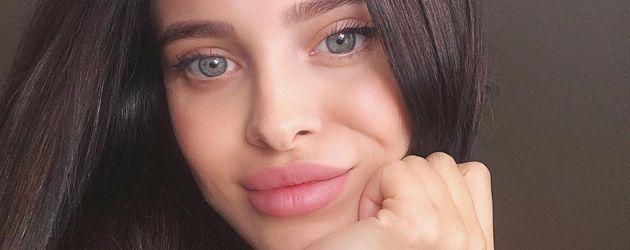 Mara Teigen, Angelina-Jolie-Double