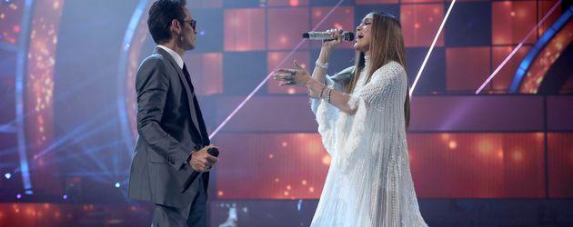 Marc Anthony und Jennifer Lopez auf der Bühne