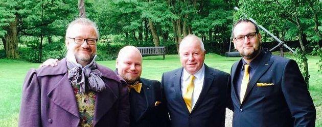 Markus Grimm mit seinen Hochzeitsgästen