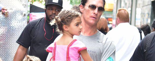 """Matthew McConaughey mit seiner Familie am Set von """"The Dark Tower"""""""