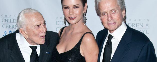 Kirk und Michael Douglas und Catherine Zeta-Jones