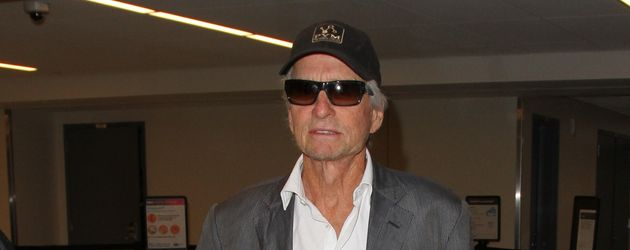 Michael Douglas im August 2016 am Flughafen in Los Angeles