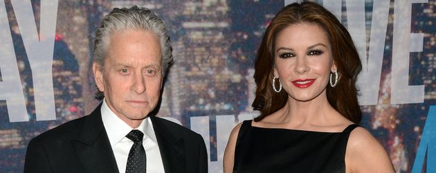 Michael Douglas und Catherine Zeta-Jones bei SNL
