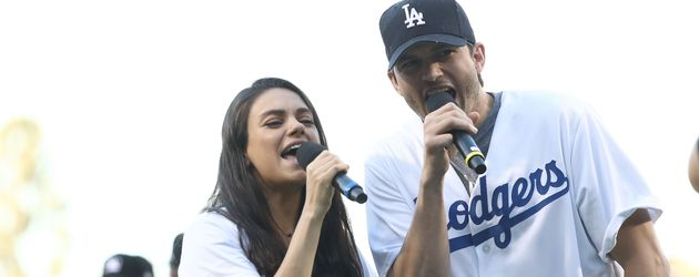 Mila Kunis und Ashton Kutcher beim Baseball in Los Angeles