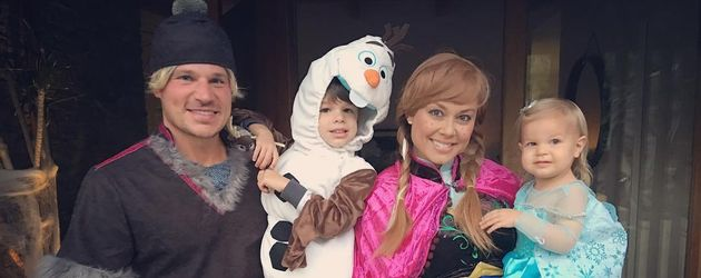 Nick, Camden, Brooklyn und Vanessa Lachey (v.l.) an Halloween