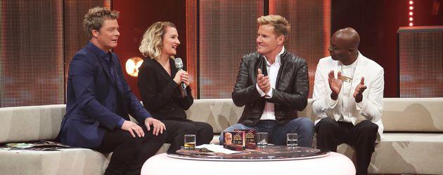 Oliver Geissen, Juliette Schoppmann, Dieter Bohlen und Bruce Darnell