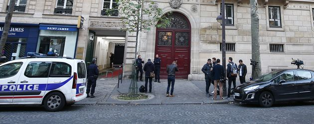 Polizei vor Kim Kardashians Appartement in Paris