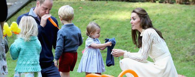 Prinz William und Herzogin Kate mit George und Charlotte im kanadischen Victoria