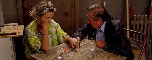 """Cathy und Richard Lugner bei einer Aussprache im """"Promi Big Brother""""-Haus"""