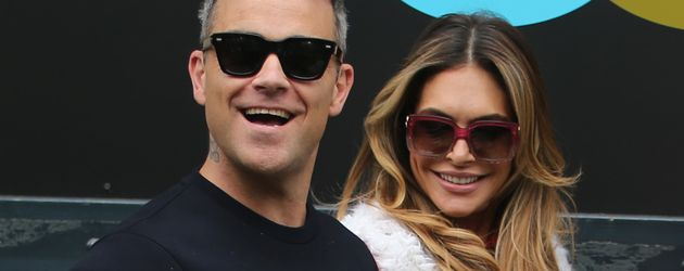 Robbie Williams und Ayda Field vor den ITV Studios in London