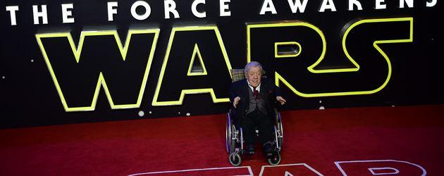 """Schauspieler Kenny Baker bei der """"Star Wars""""-Premiere in London"""