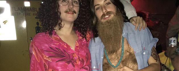 Scout La Rue Willis (rechts) an Halloween