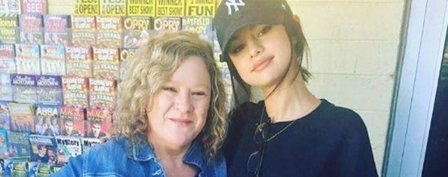 Selena Gomez mit einem Fan in Tennessee