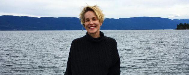 Sharon Stone bei einem Bootsausflug