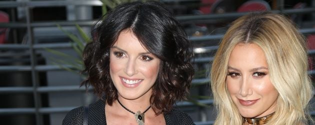 "Shenae Grimes und Ashley Tisdale im ""ArcLight-Theater"" in Hollywood"