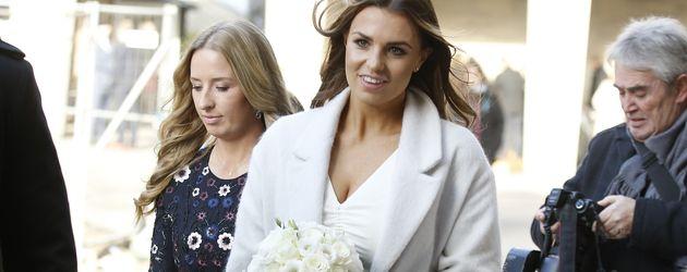 Laura Wontorra bei der Ankunft zu ihrer standesamtlichen Hochzeit, 2016