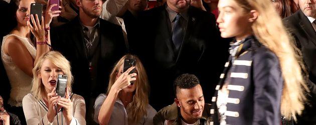 Taylor Swift, Martha Hunt, Lewis Hamilton und Gigi Hadid auf der New York Fashion Week