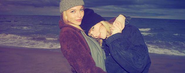 Taylor Swift mit ihrer Freundin Martha Hunt