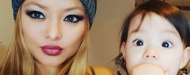 Tila Tequila und ihre Tochter Isabella Monroe Nguyen