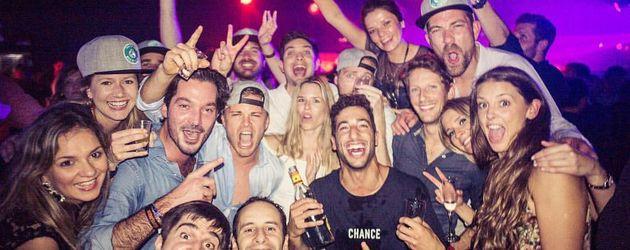 Weltmeister Nico Rosberg und seine Freunde beim Feiern