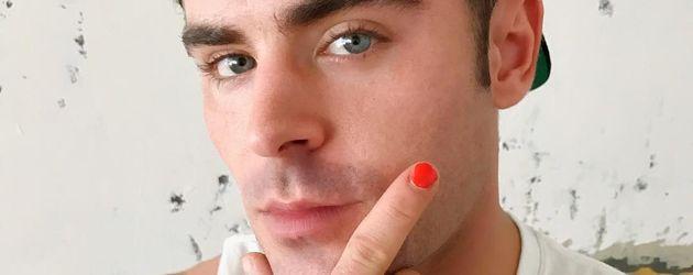 "Zac Efron als ""PolishedMan"" zwecks Spendenaufruf"